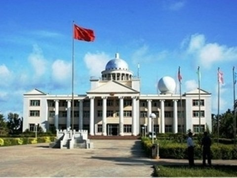 Trung Quốc xây cơ sở phi pháp trên đảo Phú Lâm thuộc quần đảo Hoàng Sa của Việt Nam